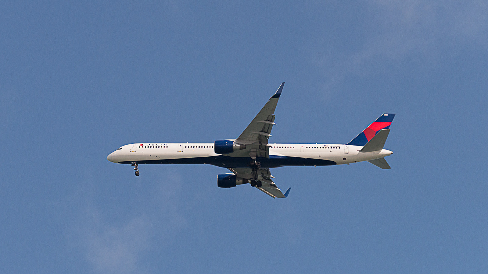 Delta Airlines N584NW